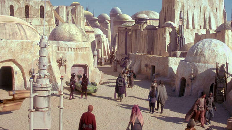 Illustration for article titled Anakin Skywalker's hometown is about to be overtaken by sand dunes