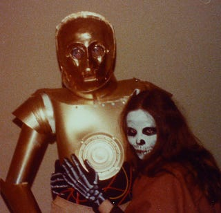 Illustration for article titled Amazing DIY C-3PO Costume from 1977