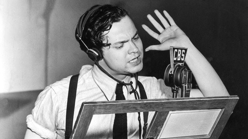 Orson Welles on the radio, c. 1938 (Photo: Hulton Archive/Getty Images)