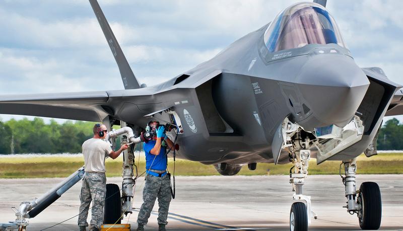 Illustration for article titled El enésimo problema del F-35: no vuela si el combustible se recalienta