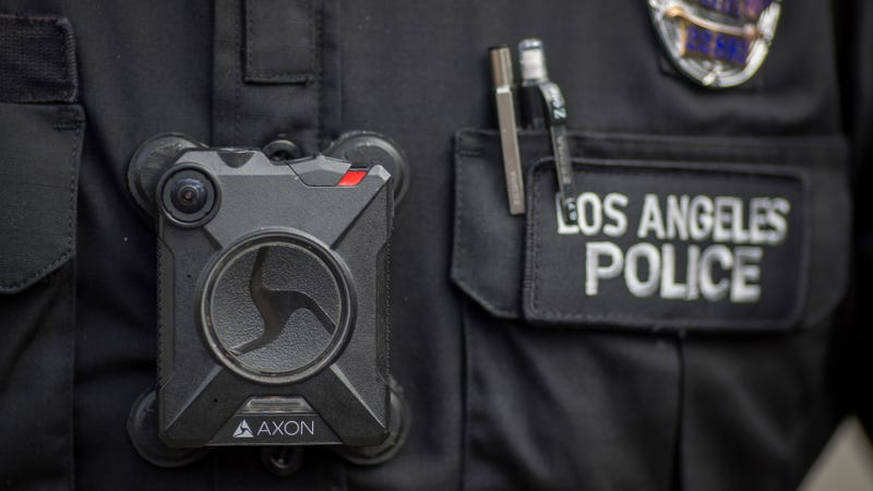 Body-Cam Manufacture  of an America's Biggest Police Body Bans Face Recognition Surveillance for Now
