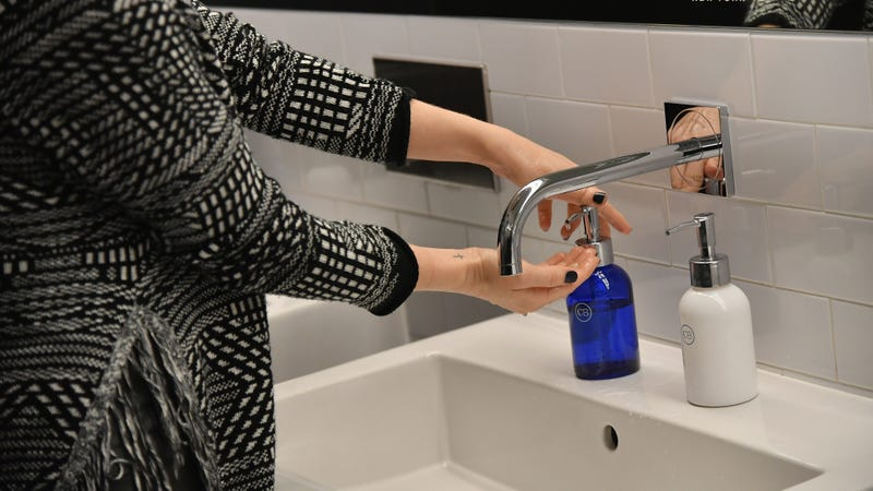 Government Study Says You're Washing Your Hands the Wrong Way, Which Is Gross and You Should Fix It