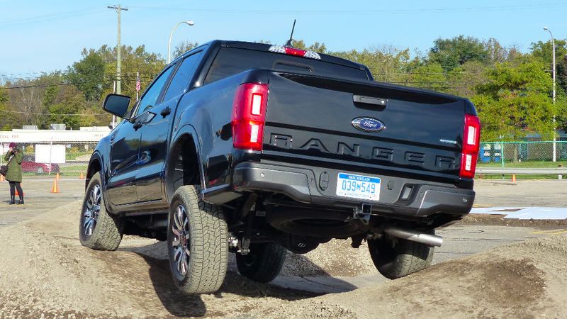 Illustration for article titled The 2019 Ford Ranger Should Put Up a Strong Off-RoadFightAgainst Other Mid-Size Trucks
