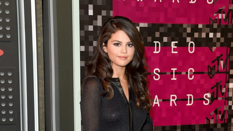 Illustration for article titled Selena Gomez Has Lupus, Says Her 2014 Break Was For Chemotherapy, Not Rehab