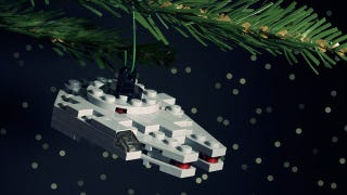 Illustration for article titled Build the Lego Ornament That Can Do the Kessel Run in 12 Parsecs