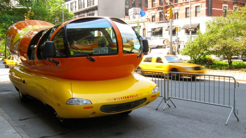 Illustration for article titled Oscar Mayer Wienermobile: Photos