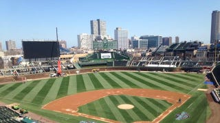 Illustration for article titled Wrigley Field Has A Big Jumbotron Now, Still No Bleachers