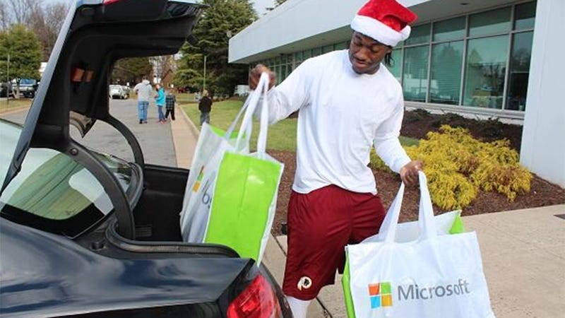 Illustration for article titled RG3 Gave The Redskins' Offensive Line Xbox Ones for Christmas