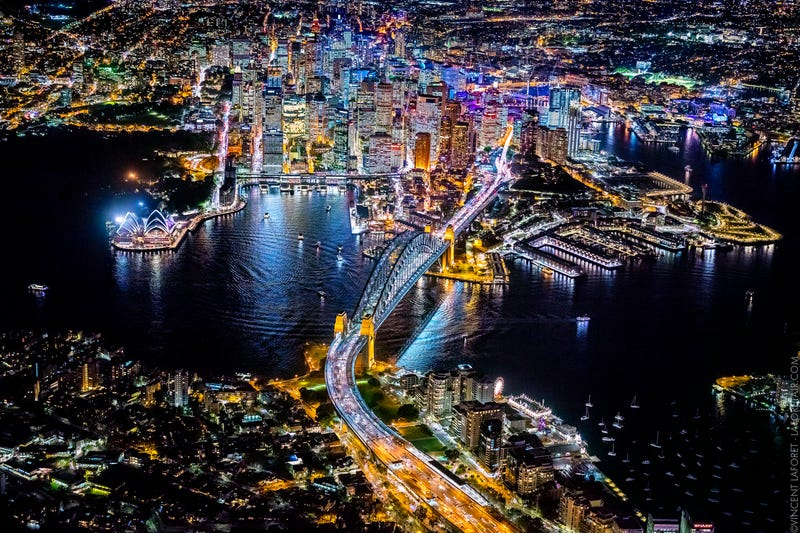 Illustration for article titled These photos of cities from 10,000 feet in the air are so glorious