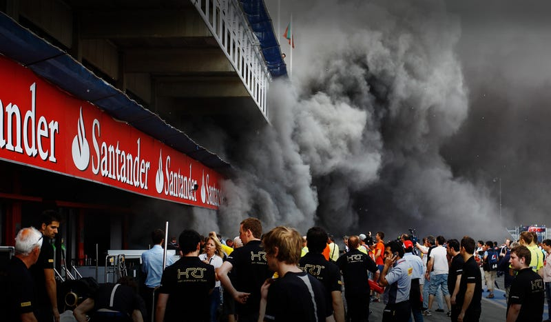 Illustration for article titled Williams F1 Team Garage Explodes Into Flames After Victory Photo, Injuries Reported
