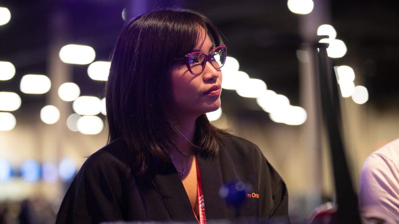 Kayane contemplates her next move during Evo 2018's Soulcalibur VI tournament