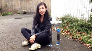 Una joven inventa un filtro solar que purifica el agua y genera energía