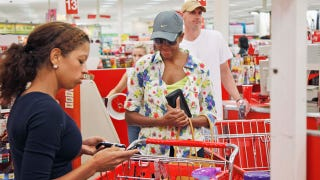 Illustration for article titled Michelle Obama Criticized For Target Shopping Trip