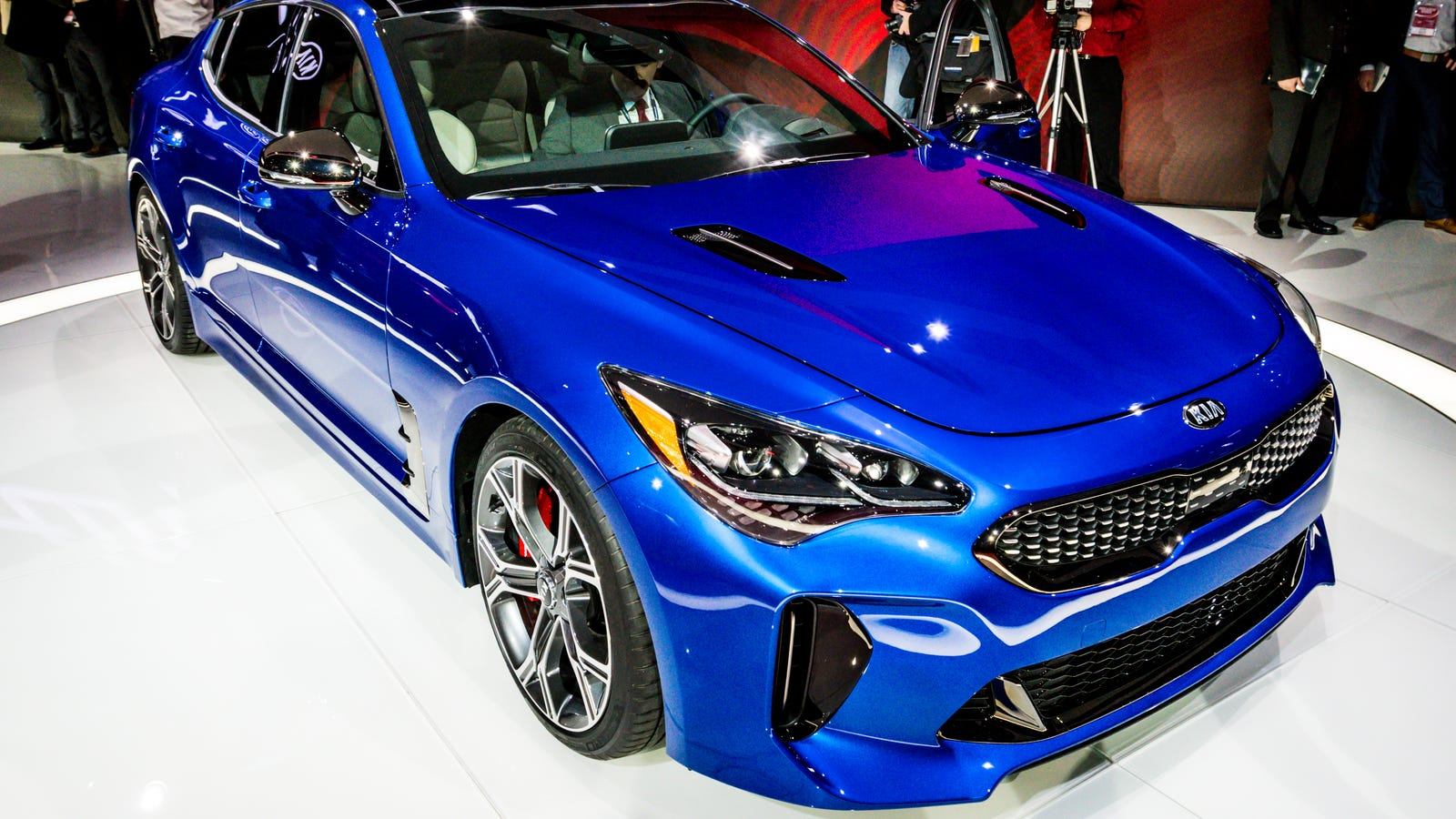 i 39 m worried no one is going to buy the 2018 kia stinger gt. Black Bedroom Furniture Sets. Home Design Ideas