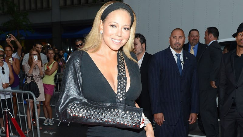 Illustration for article titled Mariah Carey Downplayed the Seriousness of Her Fucked-Up Arm