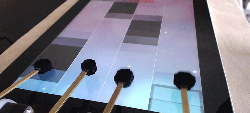 This DIY Robot Is Better Than You at iPad Games