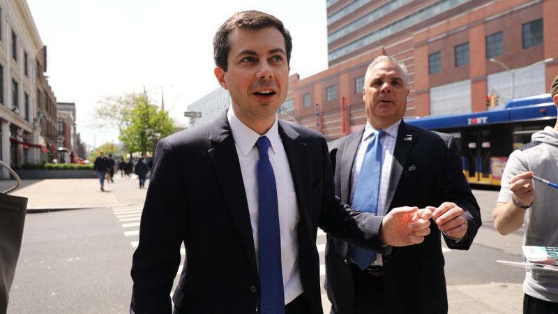 Illustration for article titled Pete Buttigieg Increasingly Sounds Like That Guy You Hated in College