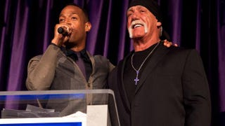 Marlon Wayans auctions off a meet-and-greet with Hulk Hogan during the WWE's 2014 SuperStars for Kids at the New Orleans Museum of Art April 3, 2014.Erika Goldring/Getty Images