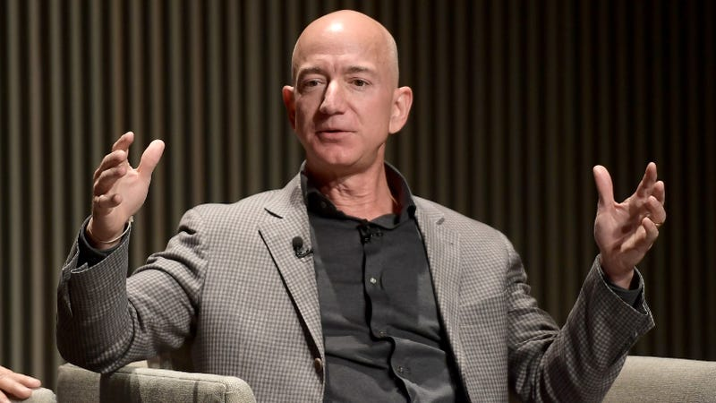 Illustration for article titled Jeff Bezos Is Reportedly Meeting With Federal Prosecutors to Discuss His Dick Pics