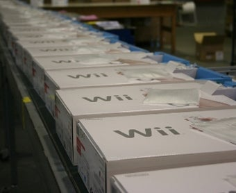 Illustration for article titled GameStop: Wii Supply Finally Meets Wii Demand