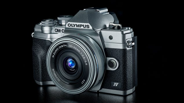 Olympus  OM-D E-M10 Mark IV Sports a New Sensor and a Flip-Down Display