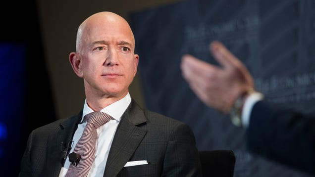 Jeff Bezos Accuses National Enquirer of Using Unpublished Nude Photos as Blackmail