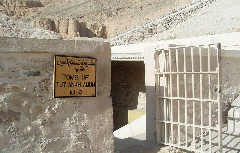 Entrada a la tumba de Tutankamón en la actualidad. Foto: Benjamín Núñez González / Wikipedia