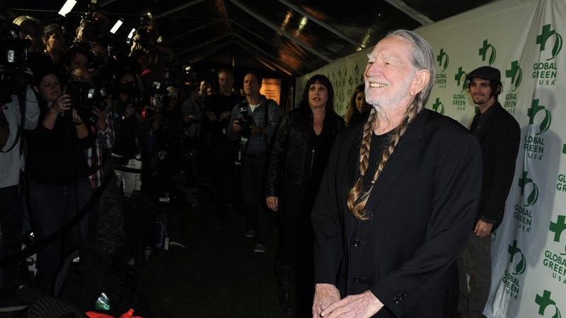 Illustration for article titled Willie Nelson on Marriage Equality: I'd Never Marry a Guy I Didn't Like