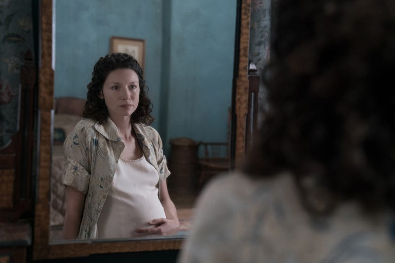 Illustration for article titled Outlander makes a quiet, tense return in season three premiere