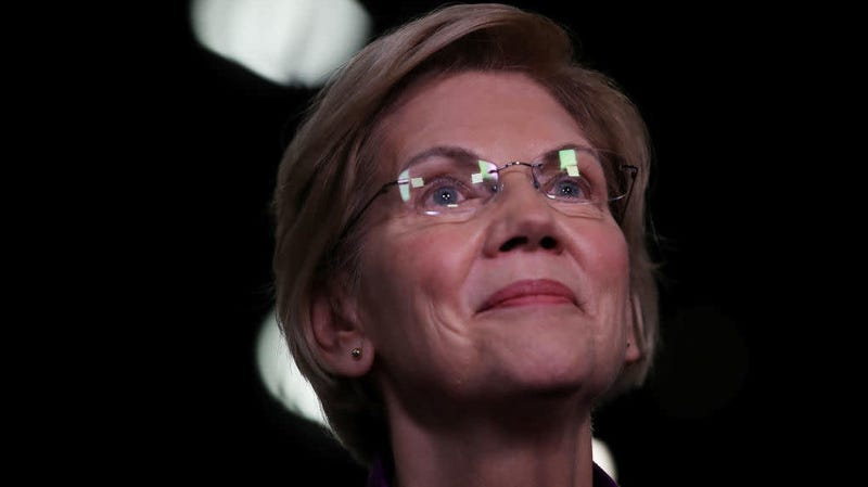 Illustration for article titled Elizabeth Warren Takes a Bite Out of the Bernie Bros With $19 Million Haul in Campaign Cash