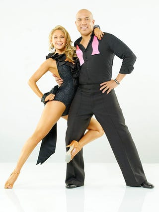 Illustration for article titled Hines Ward Is One Of The Stars With Whom People Will Dance