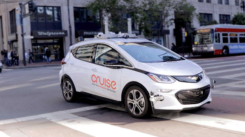 General Motors plans commercial, autonomous robot-taxi service by 2019