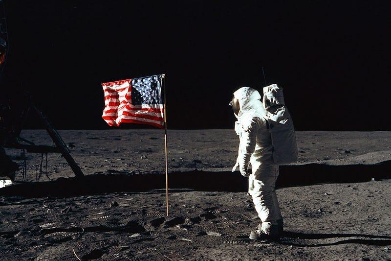 Illustration for article titled No, el astronauta Buzz Aldrin no vio extraterrestres camino a la Luna