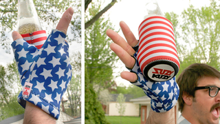 Illustration for article titled Celebrate 4th of July With A Ridiculous USA Beer Mitt (50% Off)
