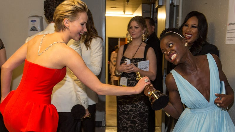 Illustration for article titled JLaw Tried to Steal Lupita's Academy Award and More Oscars Gossip