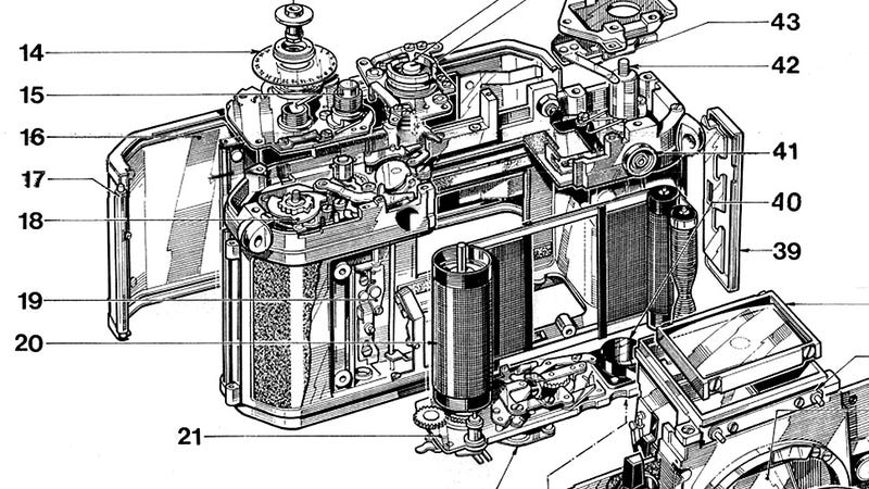 Illustration for article titled There's Not Much Prettier Than the Guts of an Old Nikon