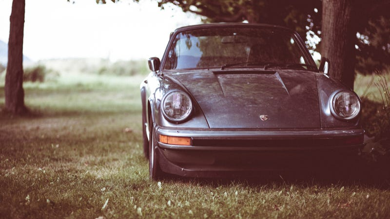 Illustration for article titled Your Ridiculously Awesome Porsche 911 SC Wallpaper Is Here