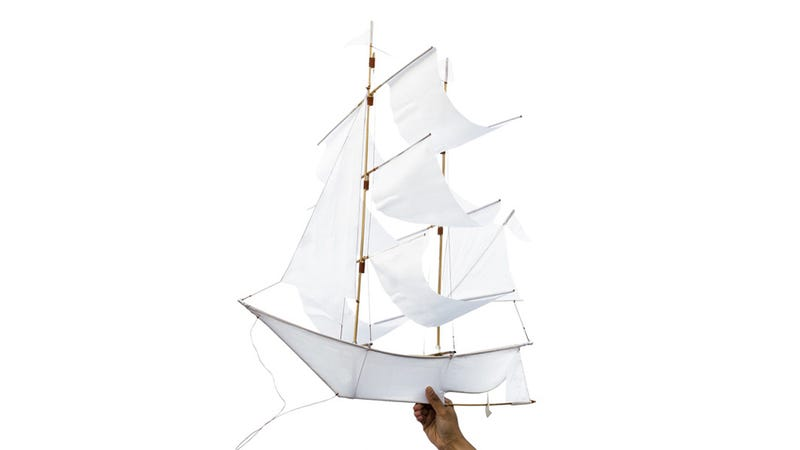 Illustration for article titled Sail on Air With This Amazing Two-Masted Ship Kite