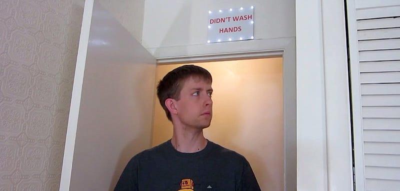 Illustration for article titled Cómo hacer una alarma Arduino que detecta los que no se lavan las manos
