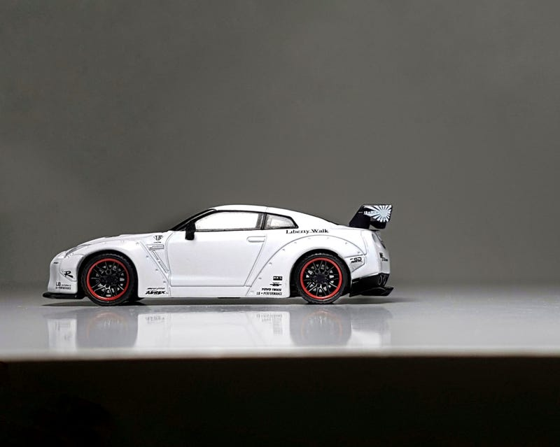 Illustration for article titled Land of the Rising Sun: Mini GT LB Works R35... without the sun