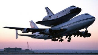 Illustration for article titled Space shuttle Endeavour's journey to museum will require 400 trees to be cut down