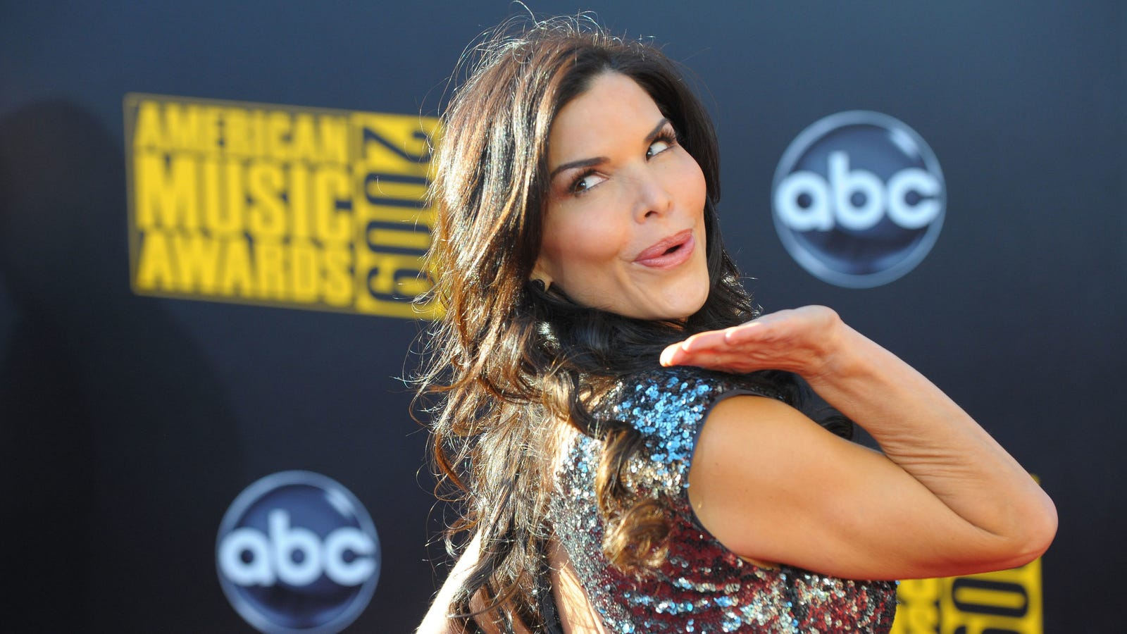Oh, a Blissful Lauren Sanchez Might Have Accidentally Leaked the Alleged Bezos Dick Pics Herself!?