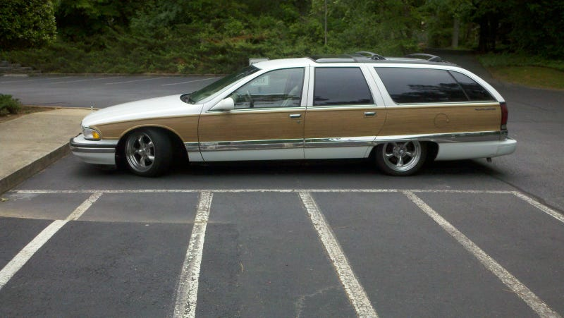 Illustration for article titled Top Gear USA's Rutledge Wood buys a Buick Roadmaster wagon