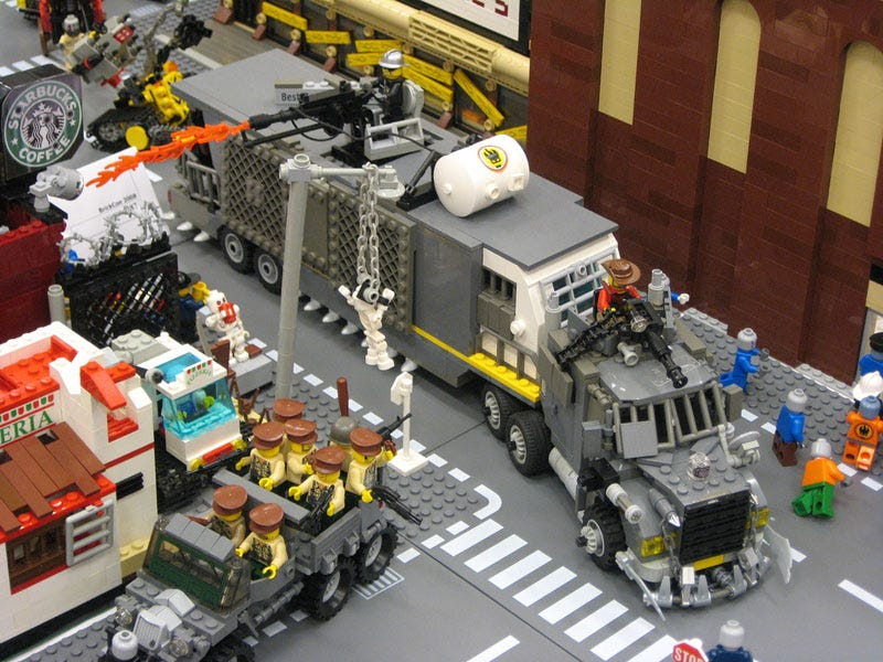 The Zombie Apocalypse Is Less Terrifying in LEGO