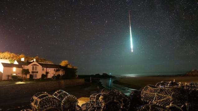 A Spectacular Fireball Lights Up the English Sky