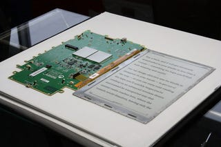 Illustration for article titled The Kindle DX Disassembled