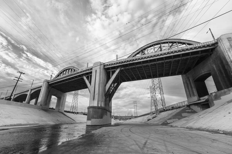 Illustration for article titled All The Best Times The 6th Street Bridge Has Been Used In Film