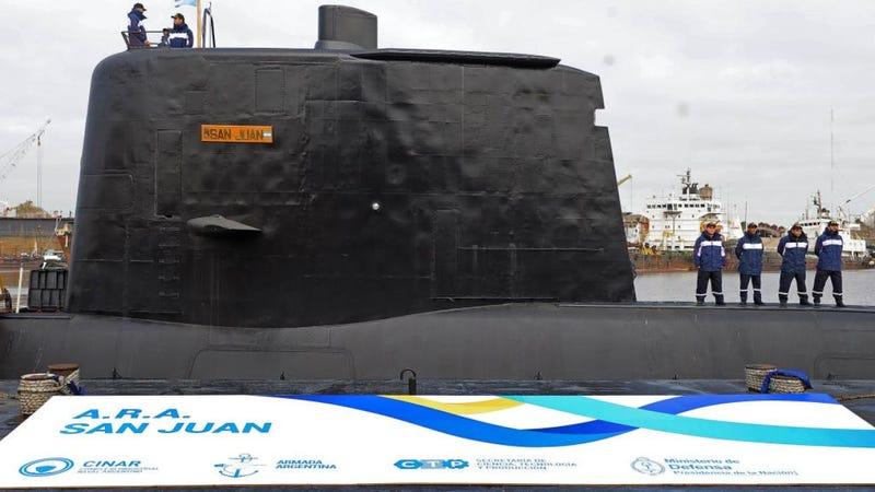 Illustration for article titled La Armada argentina confirma que hubo una explosión en el submarino el día que desapareció y lo busca en el fondo del mar