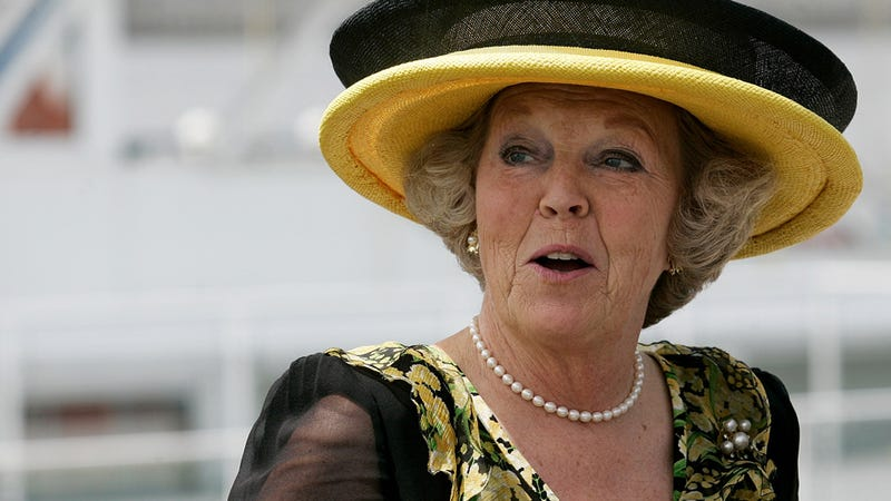 Illustration for article titled Dutch Queen Beatrix Abdicates Throne, Is Going to Disney World