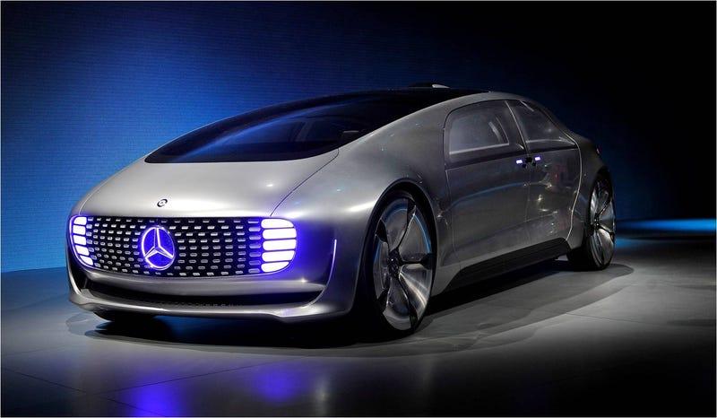 tambin hay coches muchos y conceptos futuristas como este cargados de tecnologa se trata del f la idea de coche autnomo